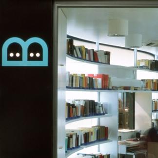 <p>66</p> <p>Bibliometro Madrid</p>